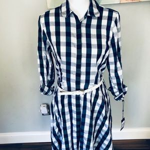 NWT-Buttom up Tommy Hilfiger Dress size 6